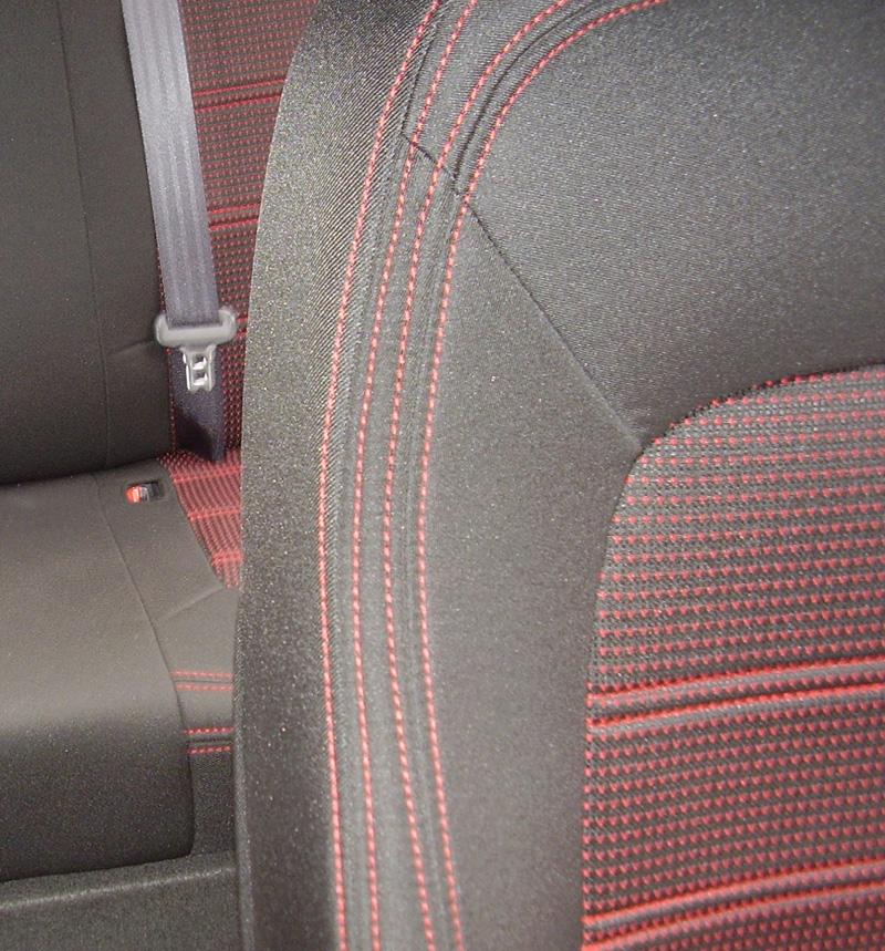 Autopotahy na míru Authentic Doblo Žakar barva červená